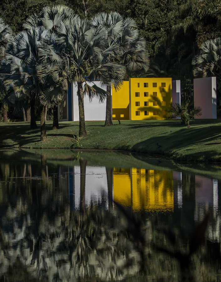 Obra Magic Square de Hélio Oiticica no Inhotim